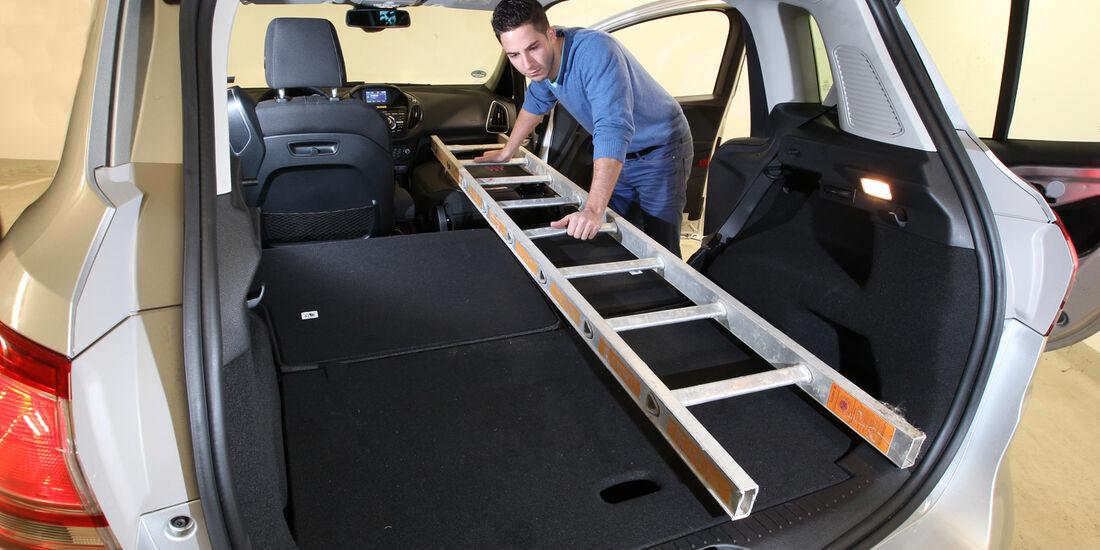 Ford B-Max 1.0 Ecoboost Titanium, Kofferraum, Ladefläche