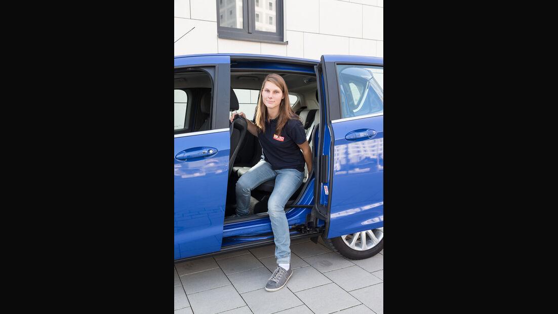 Ford B-Max 1.6 TDCi, Tür, Aussteigen