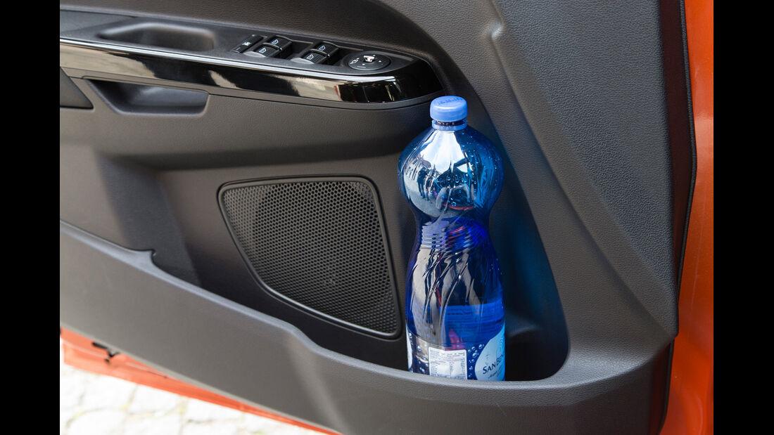 Ford B-Max, Getränkehalter