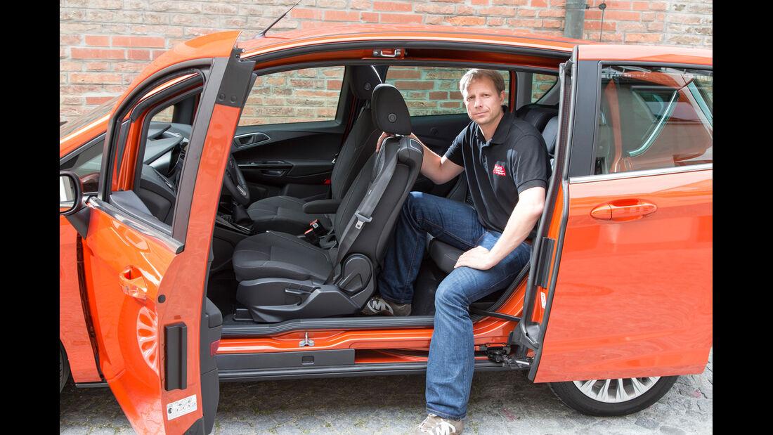 Ford B-Max, Rückbank, Einsteigen