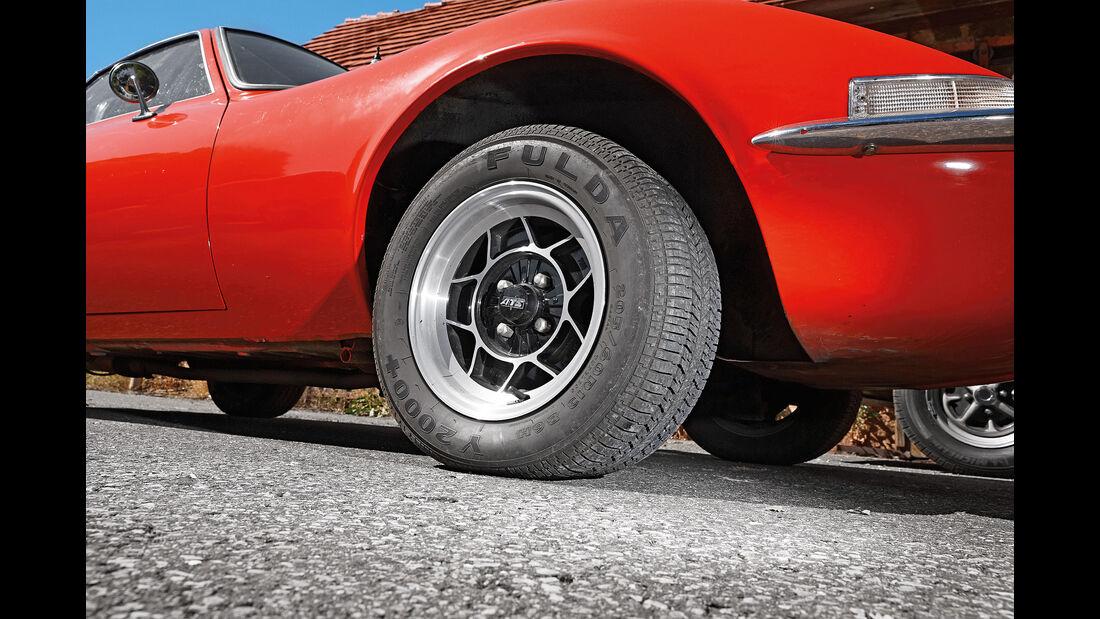 Ford-Capri-1700-GT-Opel-GT-1900-Vergleichstest