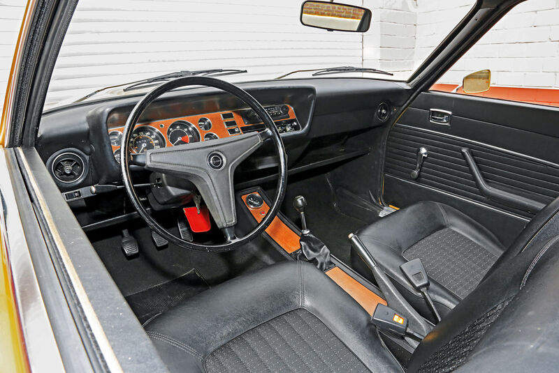 Ford Capri 2300 GT, Cockpit