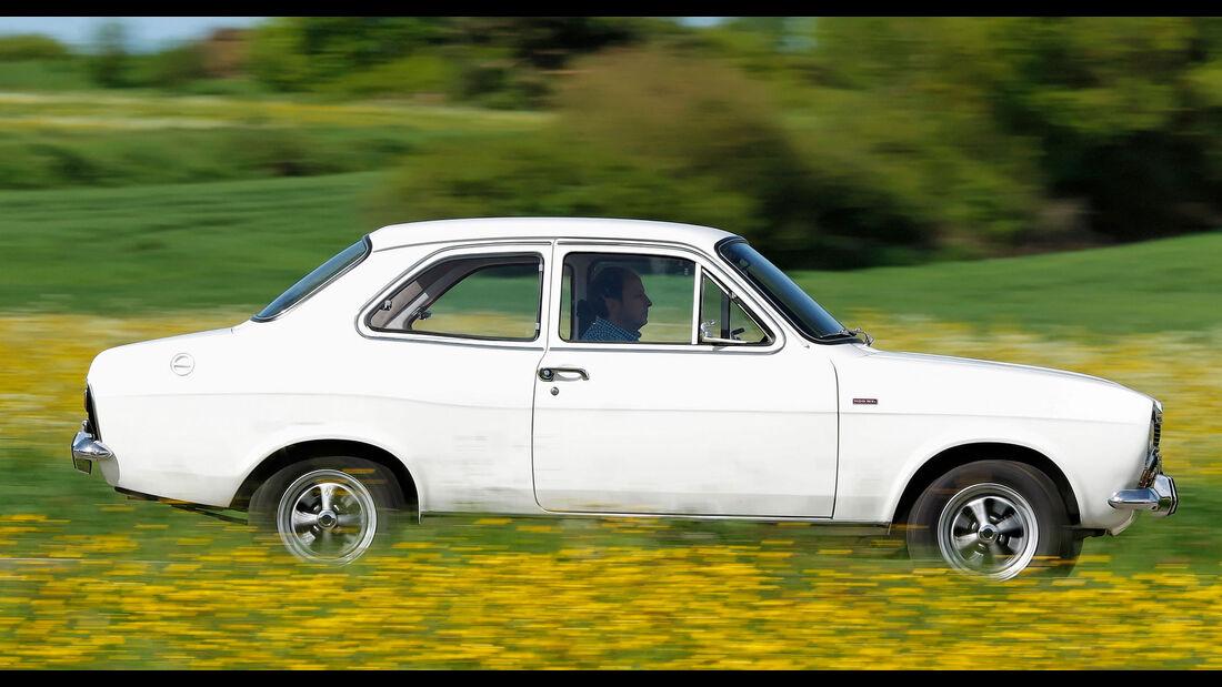 """Ford Escort Mk1 """"Hundeknochen"""" XL 1300 S Limousine"""