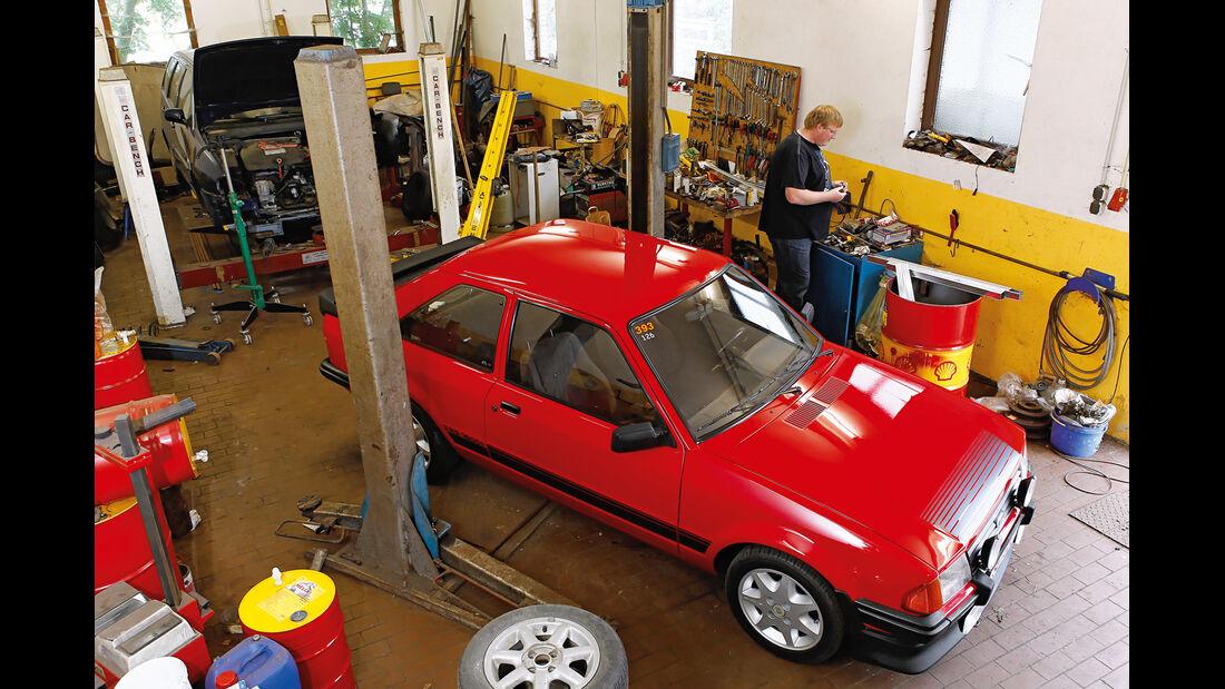 Ford Escort RS 1600i, Werkstatt