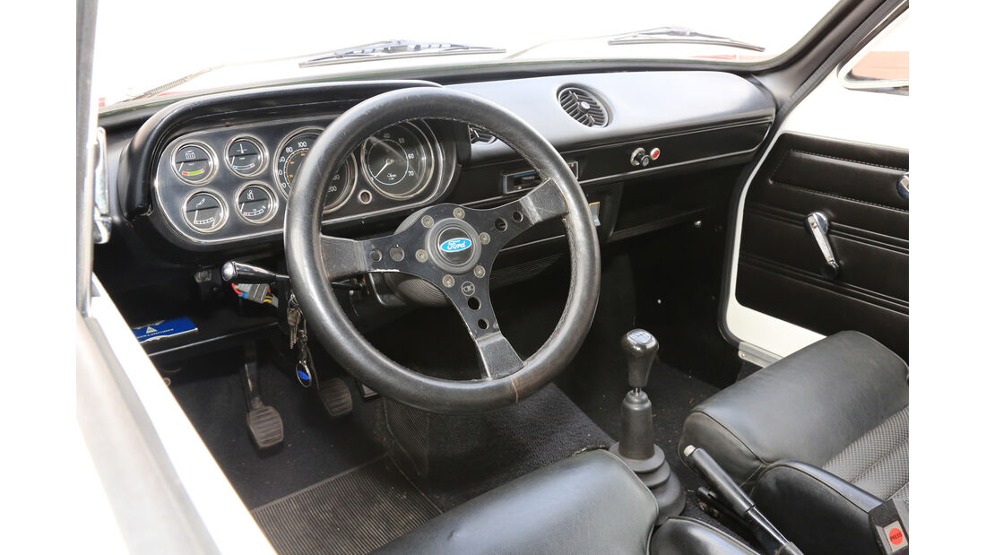 Ford Escort RS 2000, Cockpit