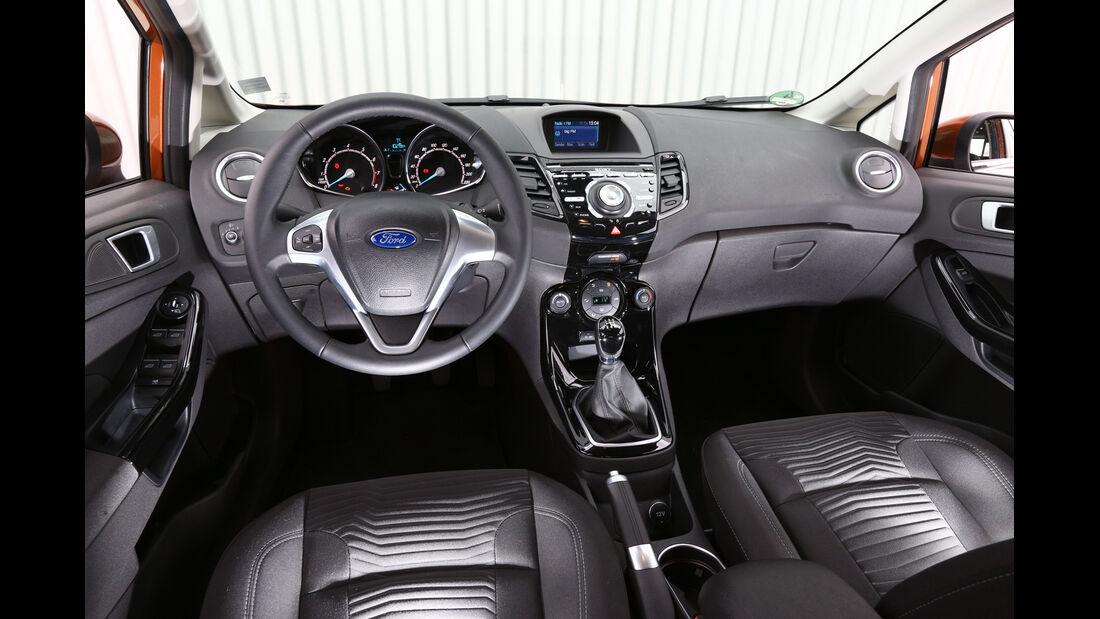 Ford Fiesta 1.0 Ecoboost Start-Stopp Titanium, Cockpit, Lenkrad