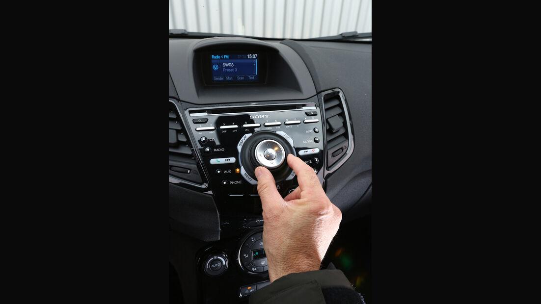 Ford Fiesta 1.0 Ecoboost Start-Stopp Titanium, Mittelkonsole