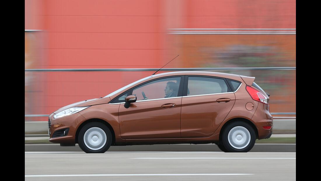 Ford Fiesta 1.0 Ecoboost Start-Stopp Titanium, Seitenansicht
