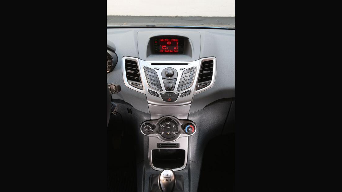 Ford Fiesta 1.4, Cockpit