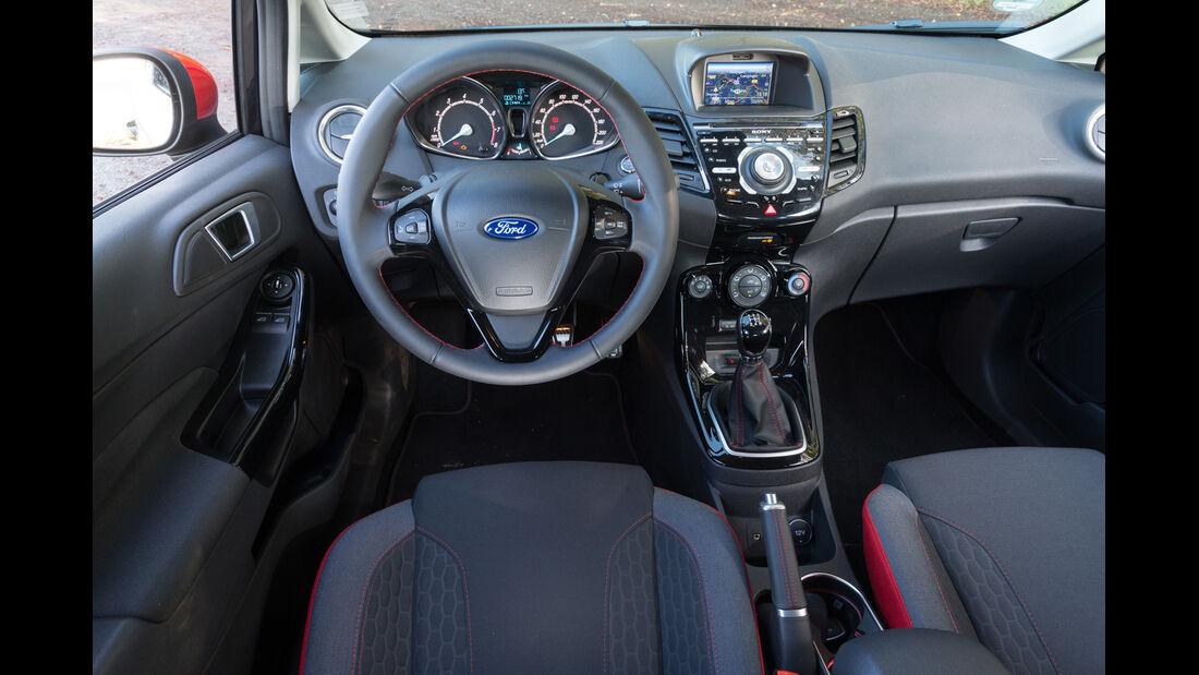 Ford Fiesta Black Edition, Cockpit