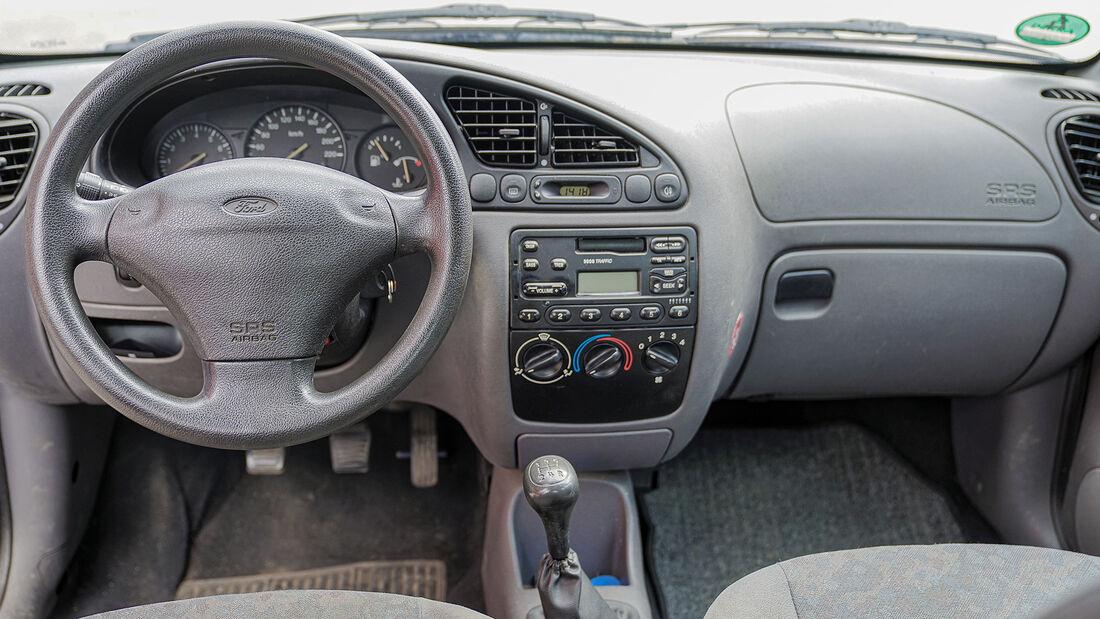 Ford Fiesta Mk 4 (1995-2001), Cockpit