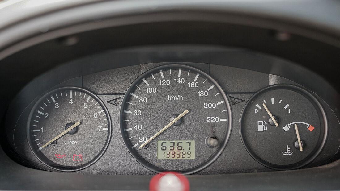 Ford Fiesta Mk 4 (1995-2001), Instrumente