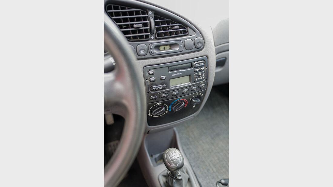 Ford Fiesta Mk 4 (1995-2001), Mittelkonsole