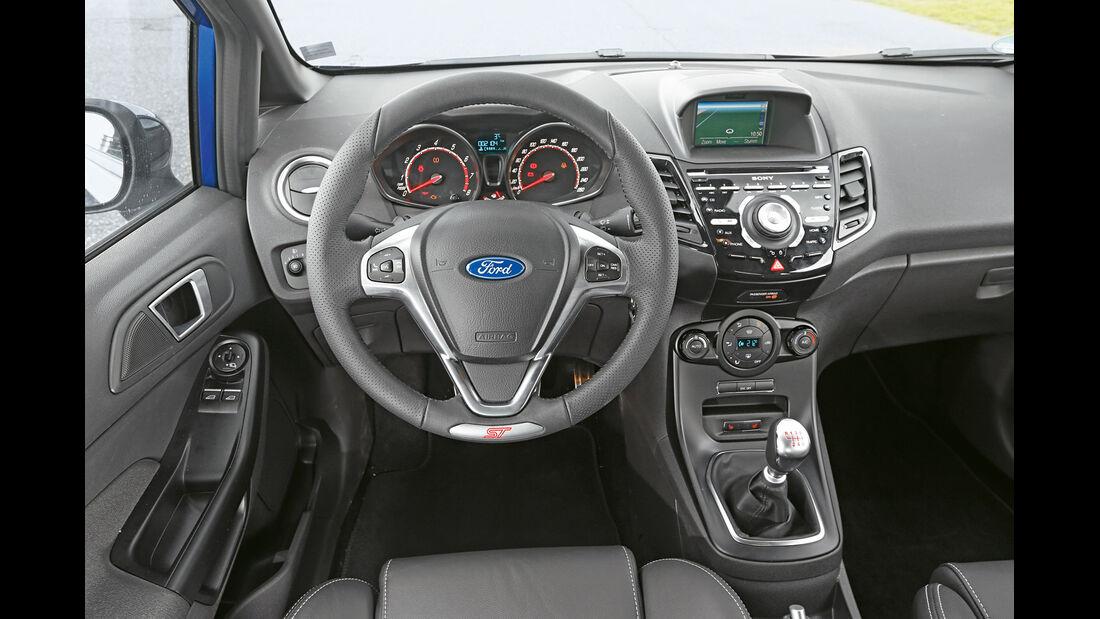 Ford Fiesta ST, Cockpit