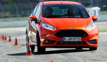 Ford Fiesta ST, Frontansicht, Slalom