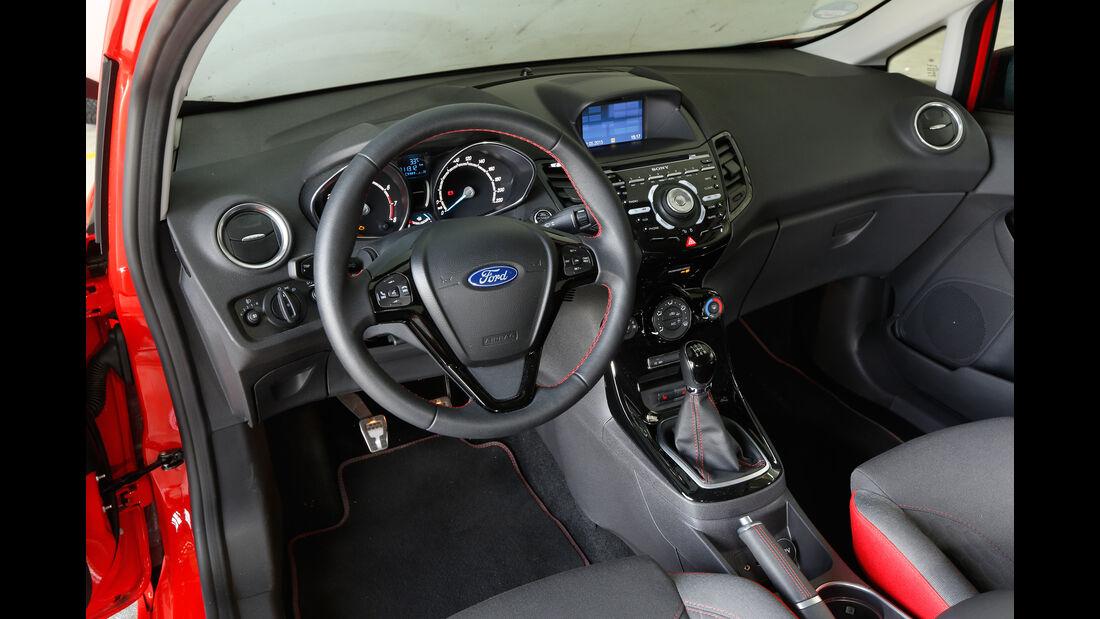 Ford Fiesta Sport, Cockpit