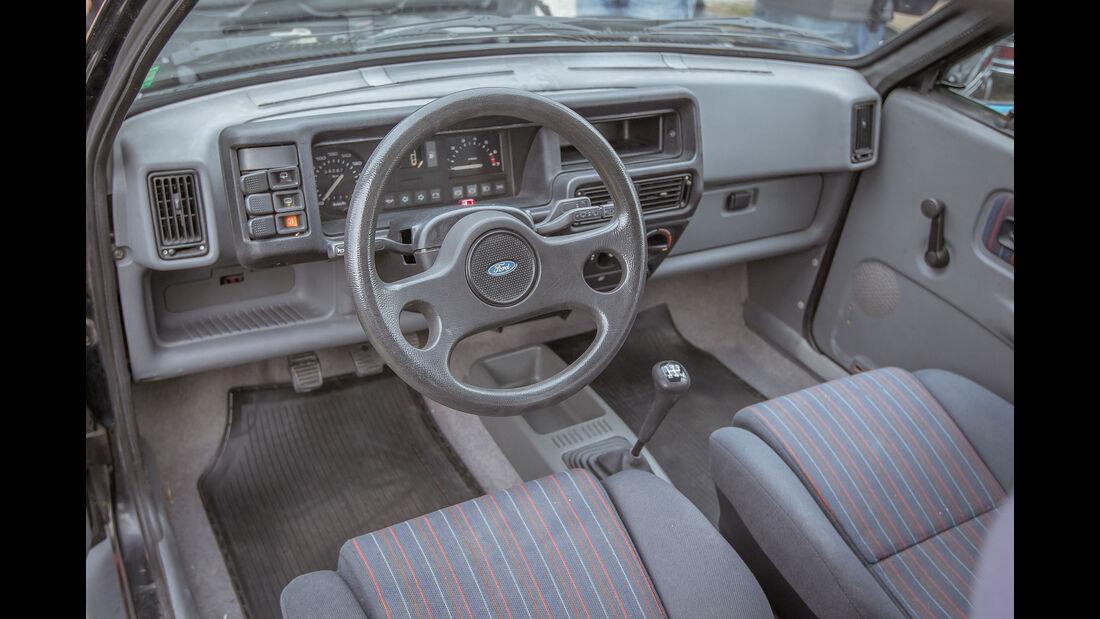 Ford-Fiesta-XR2-Interieur