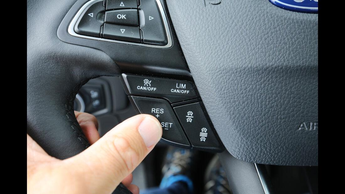 Ford Focus 1.0 Ecoboost, Lenkradschalter