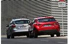 Ford Focus 1.0 Ecoboost, Mazda 3 Skyaktiv-G 100, Heckansicht