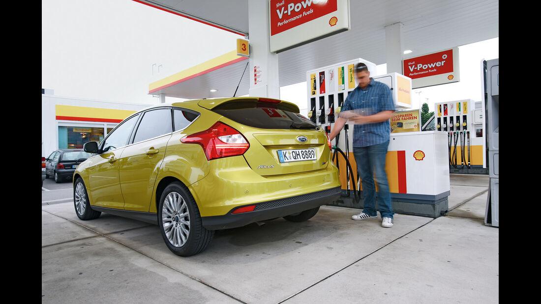Ford Focus 1.0 Ecoboost, Tankstelle