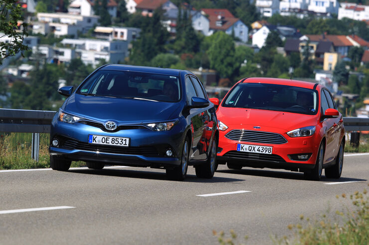 Ford Focus 1.0 Ecoboost, Toyota Auris 1.2T, Frontansicht