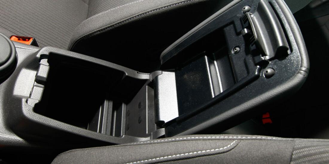 Ford Focus 1.6 ECOBOOST, Detail, Ablagefach, Stauraum