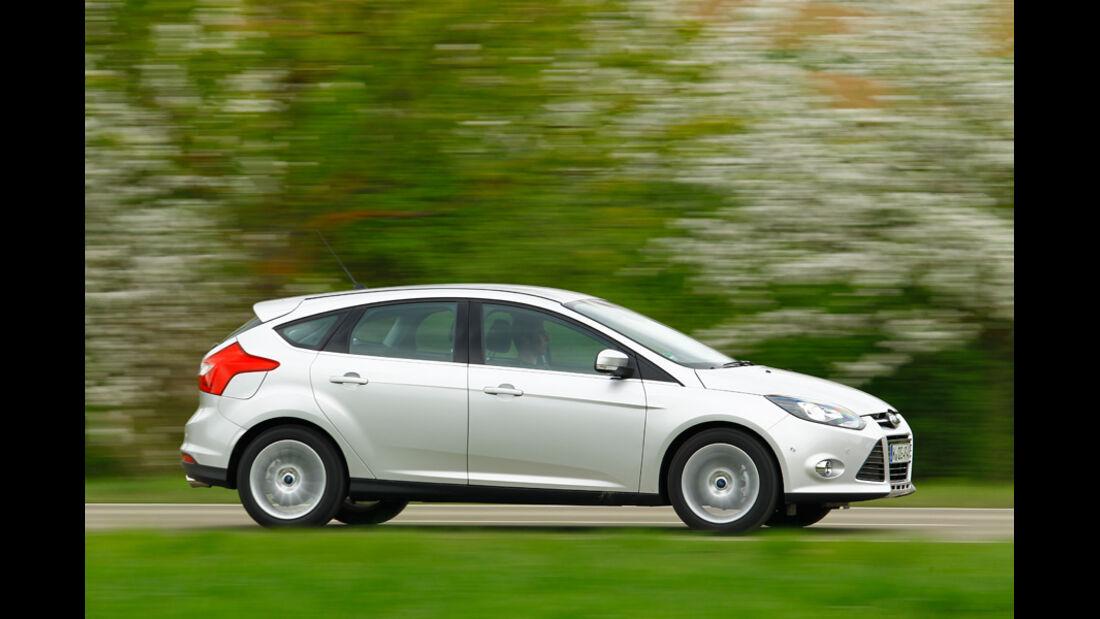 Ford Focus 1.6 ECOBOOST, Seitenansicht, Überlandfahrt
