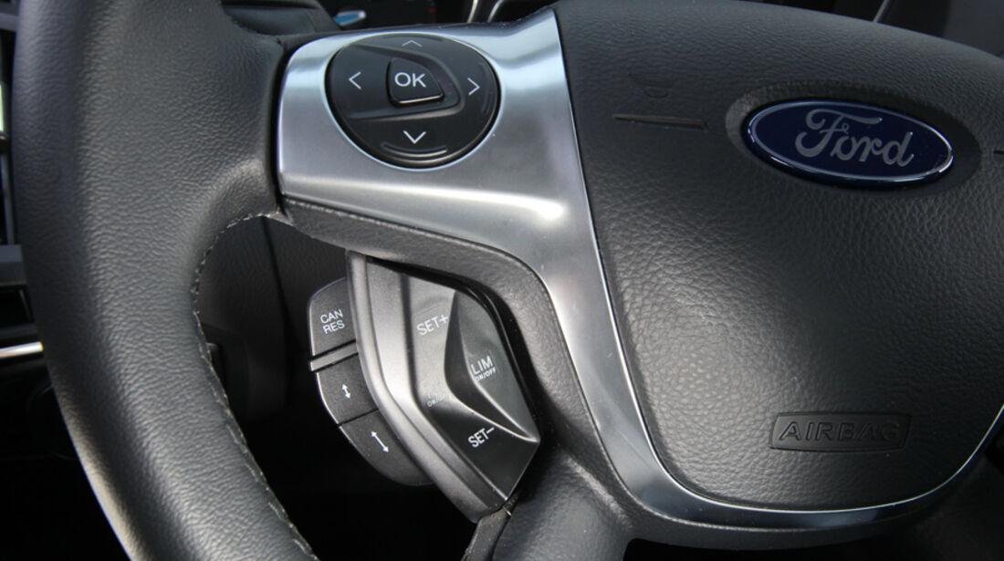 Ford Focus 1.6 Ecoboost, Lenkradtasten