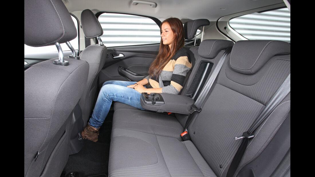 Ford Focus 1.6 Ecoboost, Rücksitz, Beinfreiheit