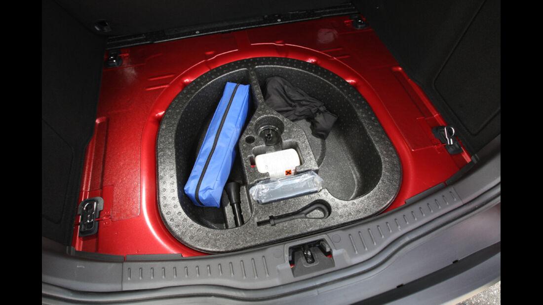 Ford Focus 1.6 Ecoboost Turnier Titan, Detail, Stauraum