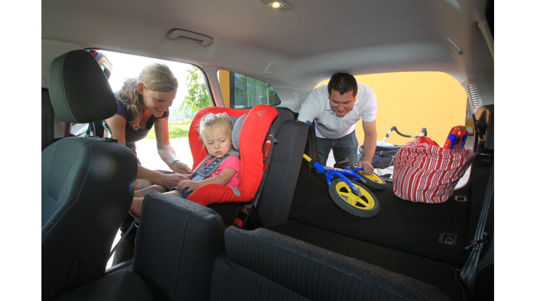 Ford Focus 1.6 Ecoboost Turnier Titan, Innenraum, Rückbank, Babysitz