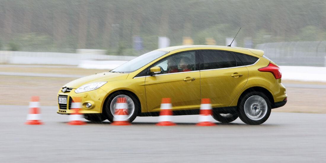 Ford Focus 1.6 Ti-VCT, Bremstest, Seitenansicht