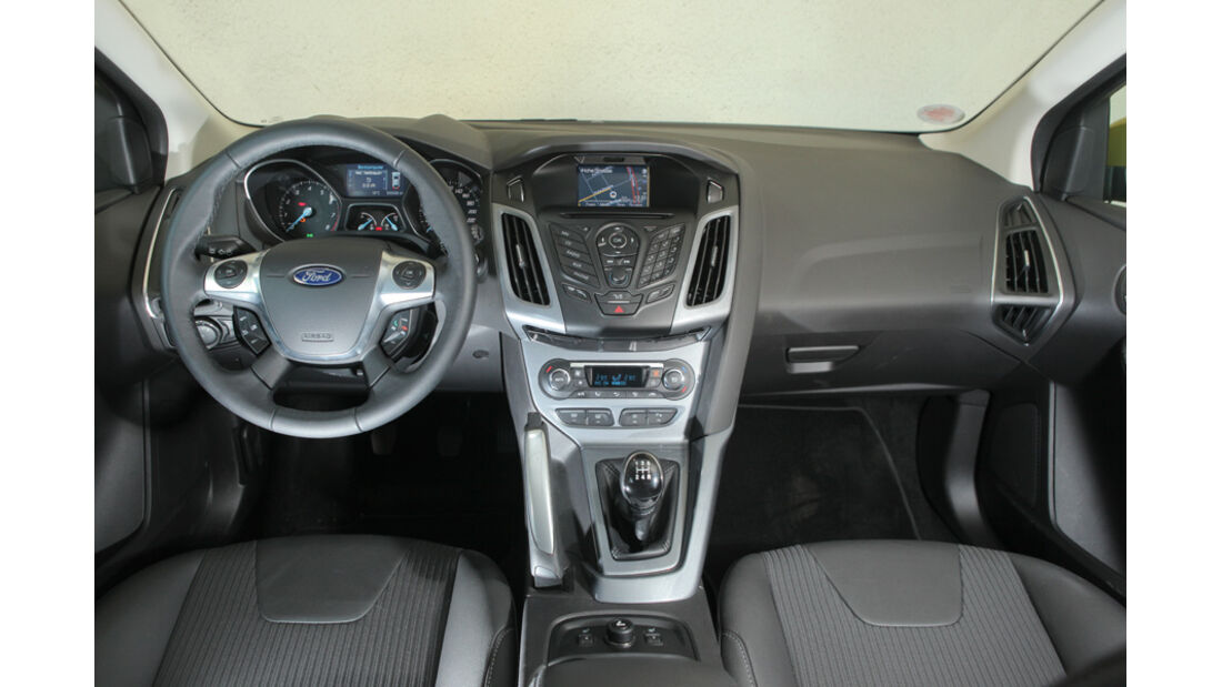 Ford Focus 1.6 Ti-VCT, Cockpit