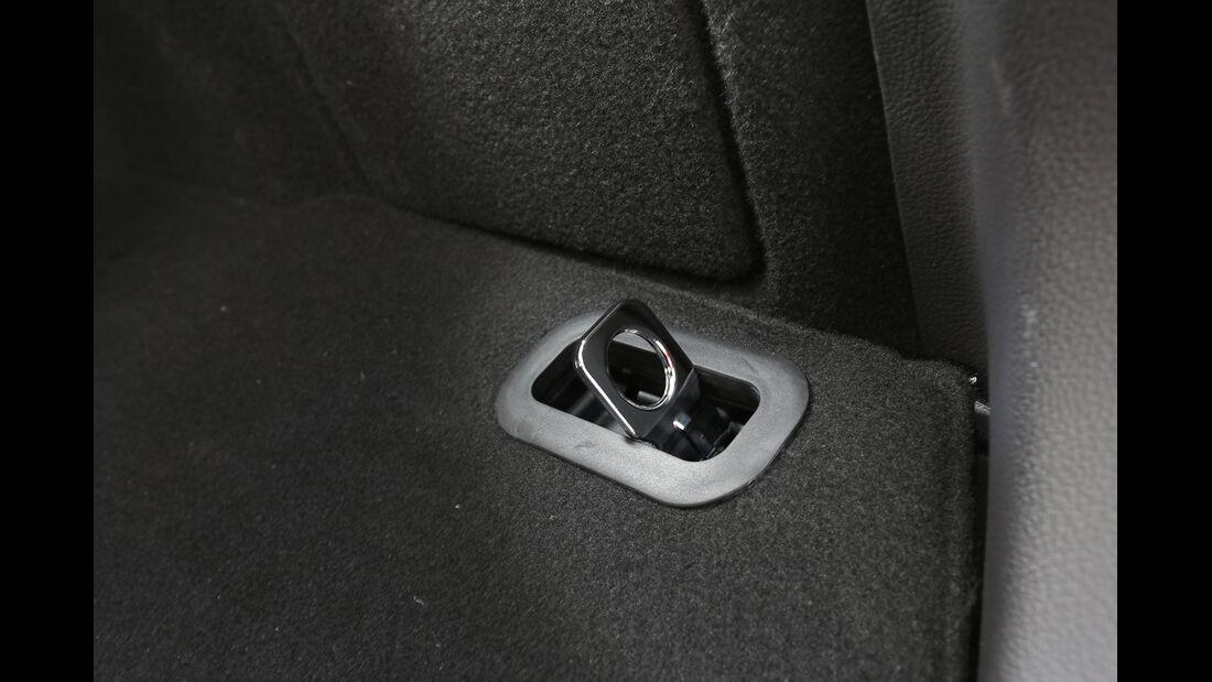 Ford Focus 2.0 TDCi, Öse, Netzhalter