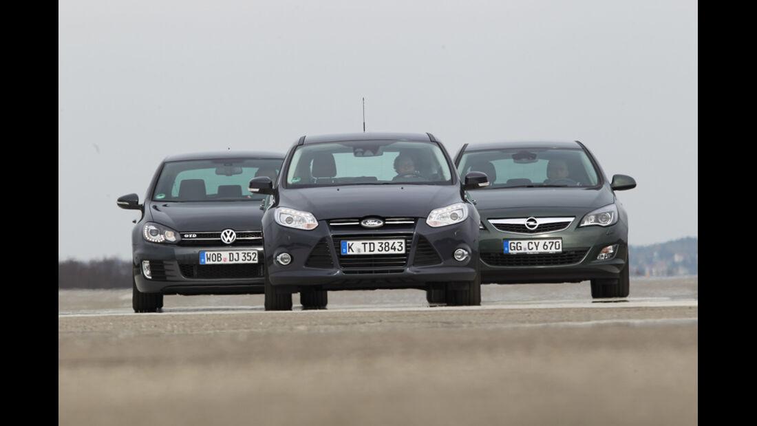 Ford Focus 2.0 TDCi Titanium, Opel Astra 2.0 CDTi Ecotec Design Edition, VW Golf GTD
