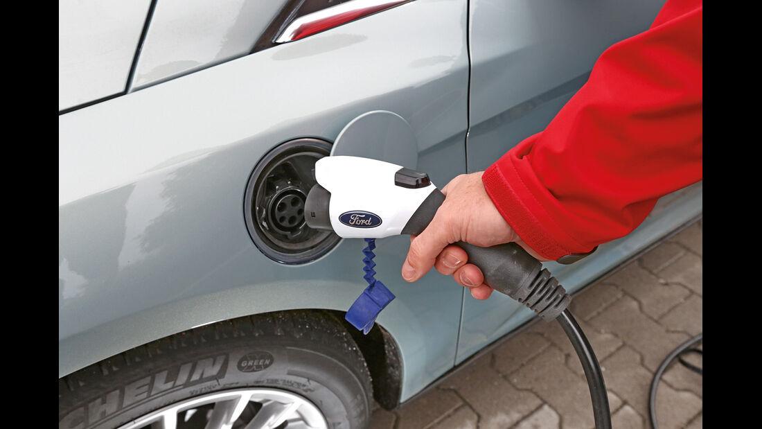Ford Focus Electric, Tanken, Stromzufuhr