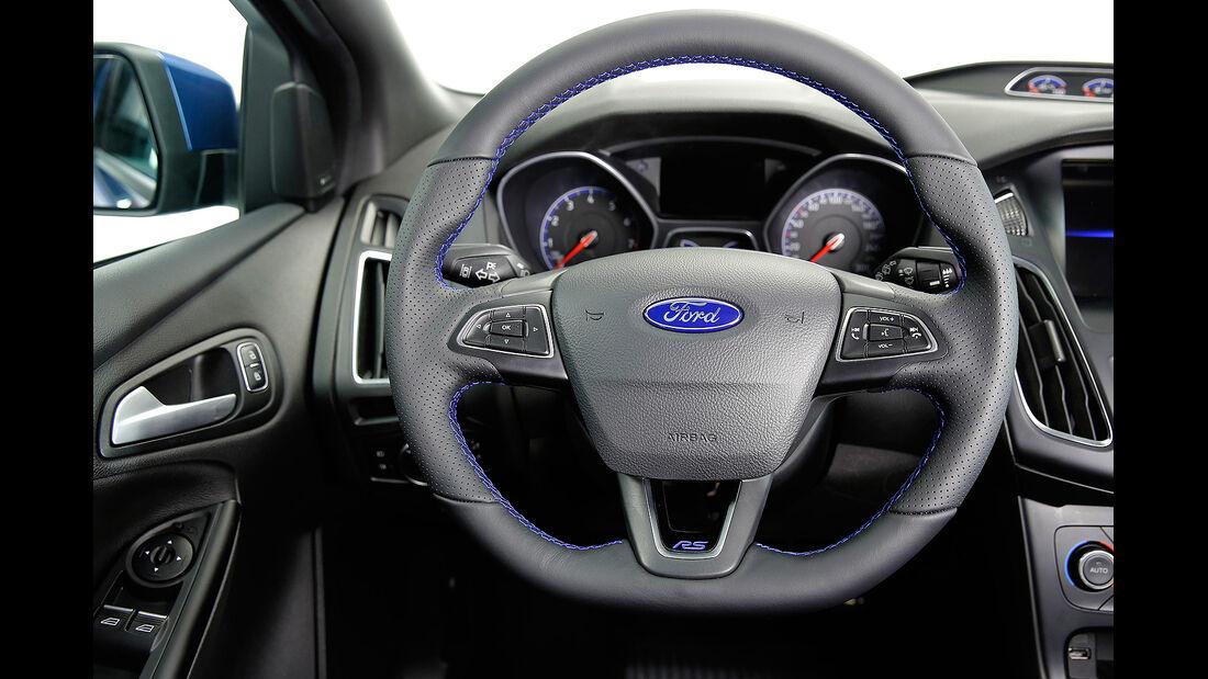 Ford Focus RS 2015, Cockpit, Innenraum, Lenkrad