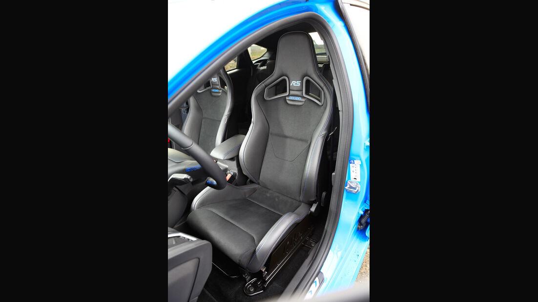 Ford Focus RS (2016), Fahrersitz