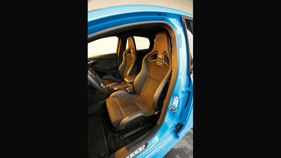 Ford Focus RS, Fahrersitz