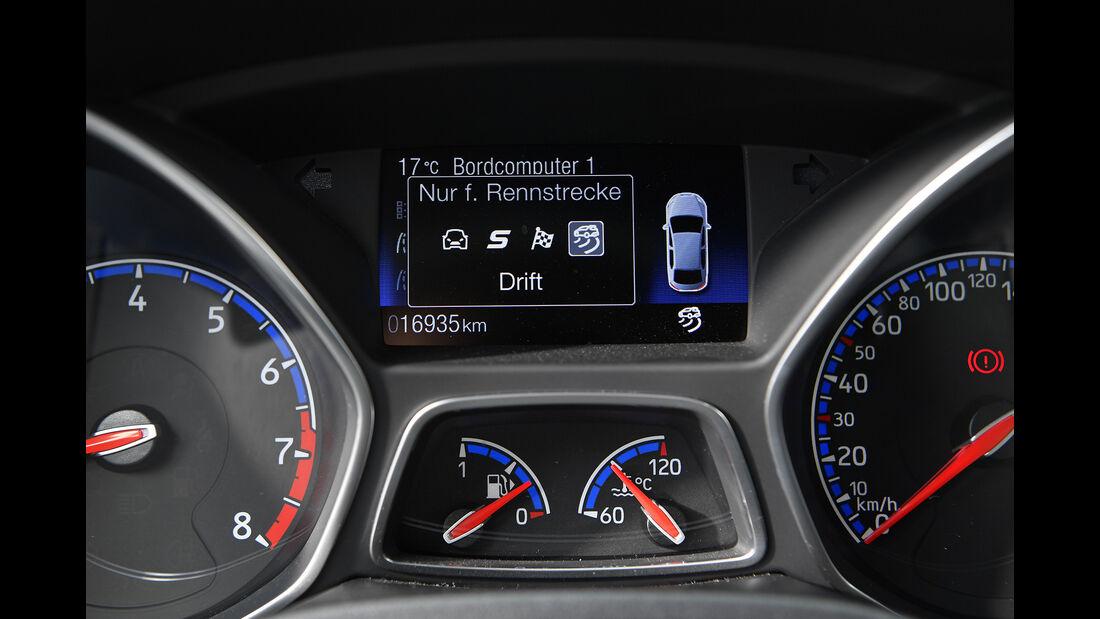 Ford Focus RS, Interieur