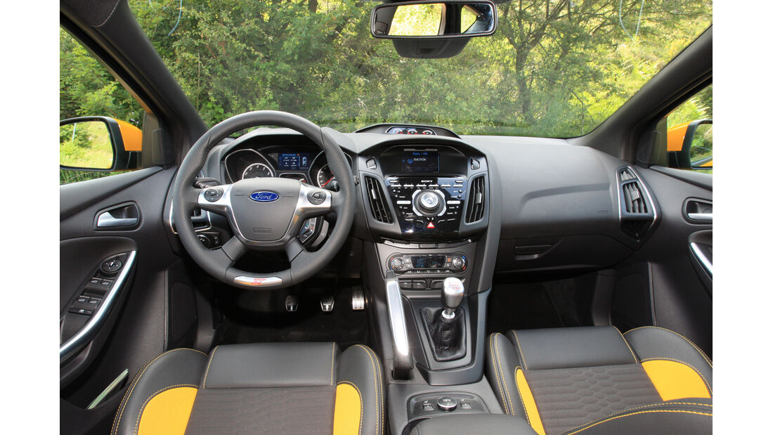 Ford Focus ST, Cockpit