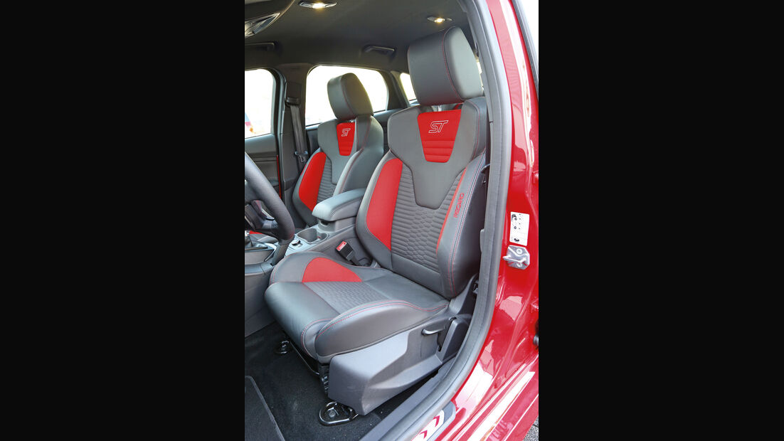 Ford Focus ST, Fahrersitz, Sportsitz