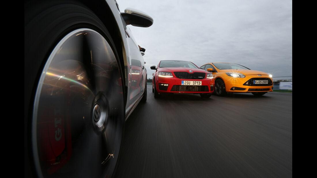 Ford Focus ST, Skoda Octavia RS, VW Golf GTI Performance, Frontansicht