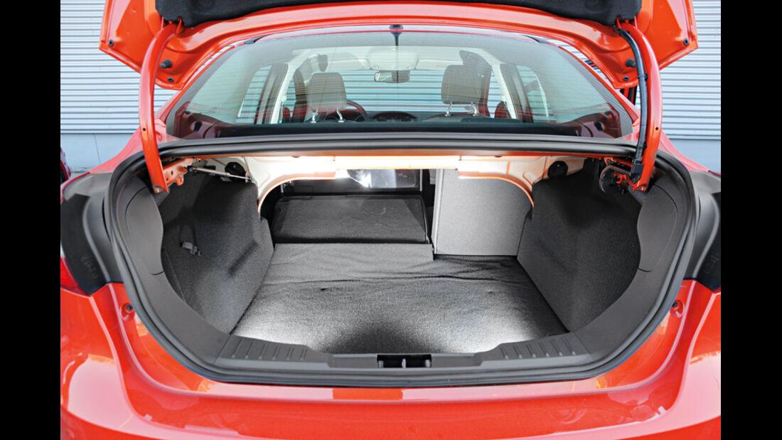 Ford Focus Stufenheck, Kofferraum
