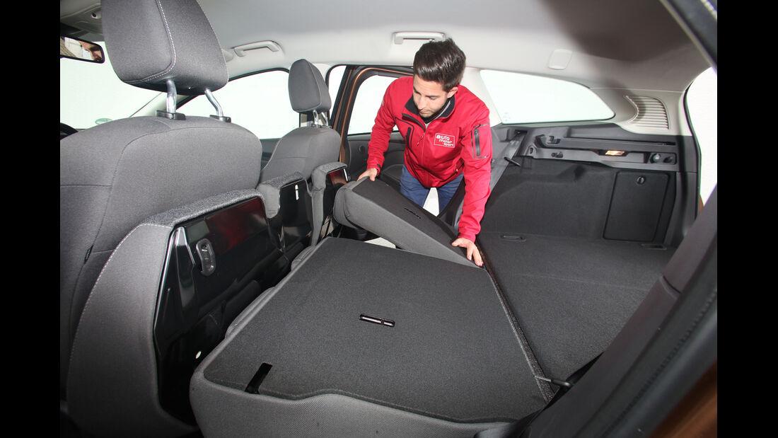 Ford Focus Turnier 1.0 EcoBoost, Rücksitz, Umklappen