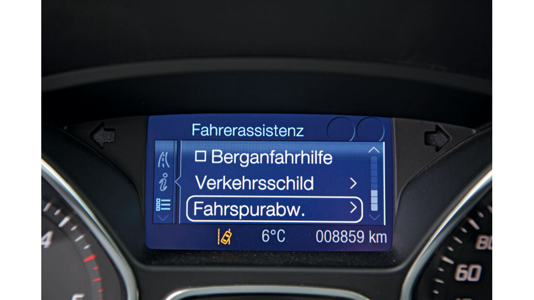 Ford Focus Turnier 1.6 Ecoboost Titanium, Bildschirm, Detail, Fahrassistent