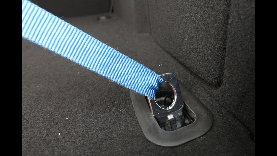 Ford Focus Turnier 2.0 TDCi, Gepäckhaltegurt