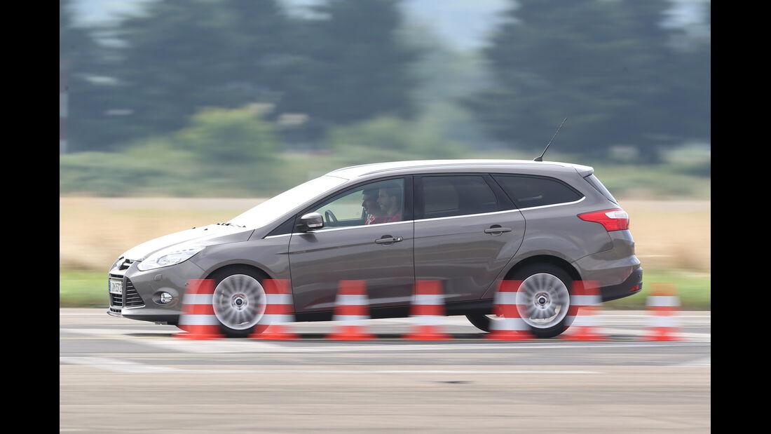 Ford Focus Turnier 2.0 TDCi, Seitenansicht, Bremstest