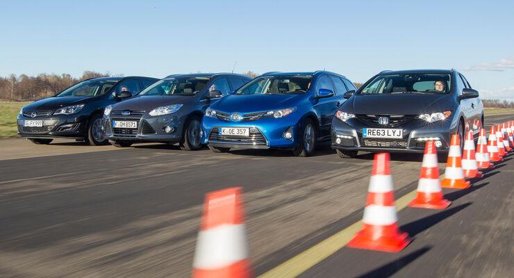 Ford Focus Turnier, Honda Civic Tourer, Opel Astra Sports Tourer, Toyota Auris Touring Sports