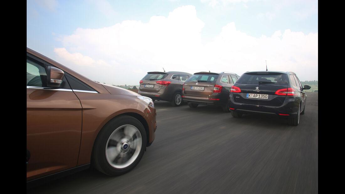 Ford Focus Turnier, Kia Cee'd SW, Peugeot 308 SW, Skoda Octavia Combi, Fahrt